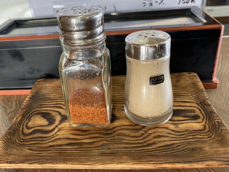 山椒そばや 山形県上山市葉山 ラーメン 醤油ラーメン 味変 調味料