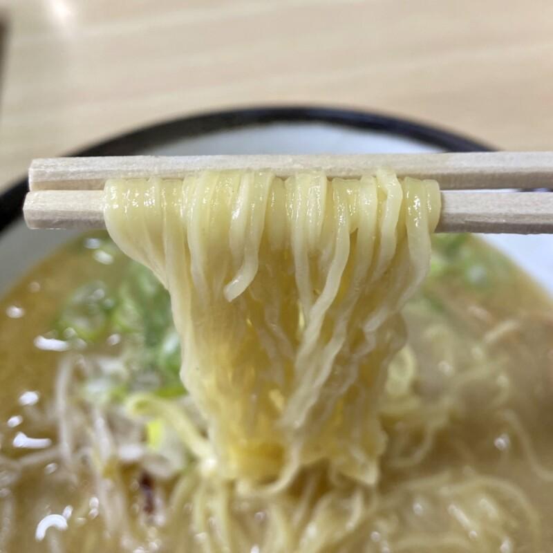お食事処 えのき 秋田県秋田市寺内 味噌ラーメン 麺