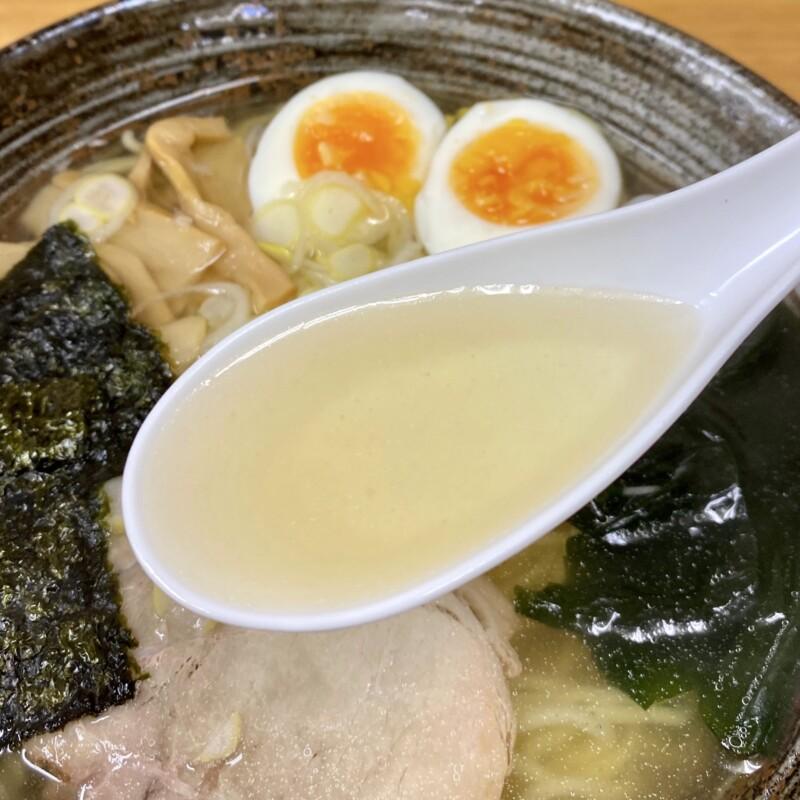 かねだ食堂 金田食堂 秋田県能代市元町 塩魚汁 しょっつるラーメン スープ