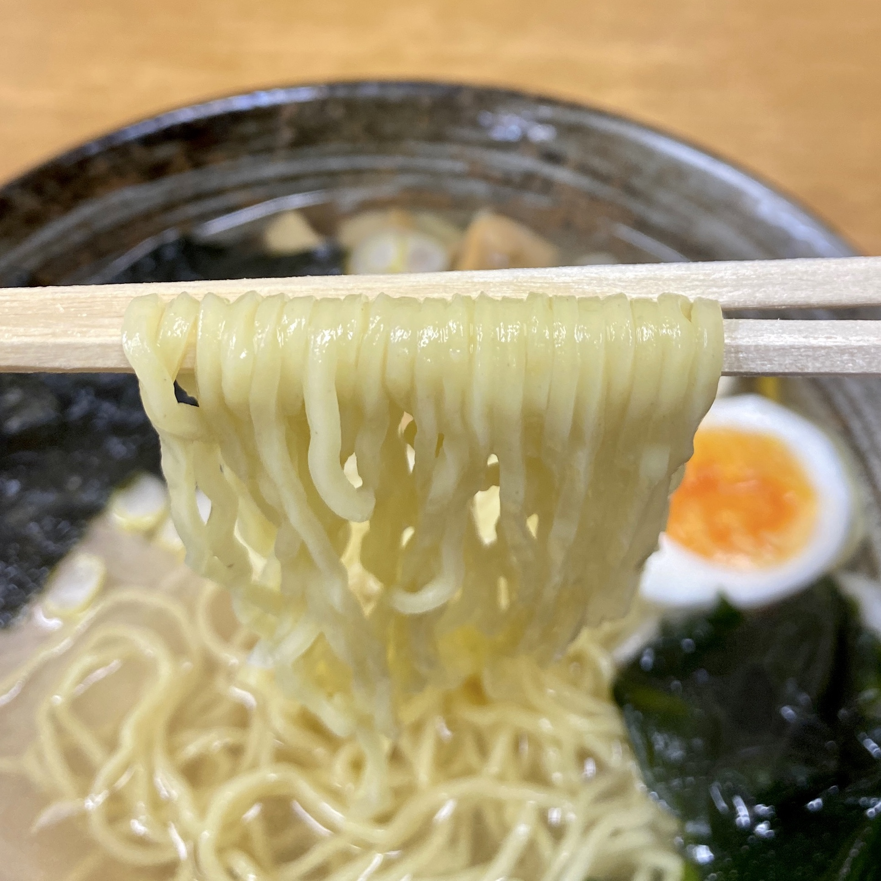 かねだ食堂 金田食堂 秋田県能代市元町 塩魚汁 しょっつるラーメン 鍋谷製麺
