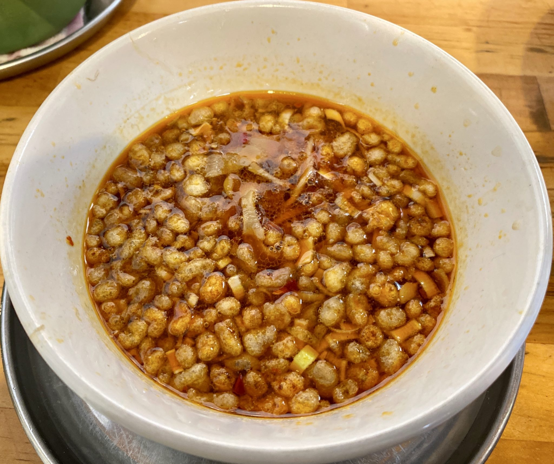 中華そばde小松 秋田県大仙市大曲丸の内 辛い鶏つけそば 生卵トッピング シルキー麺ver つけ汁 スープ