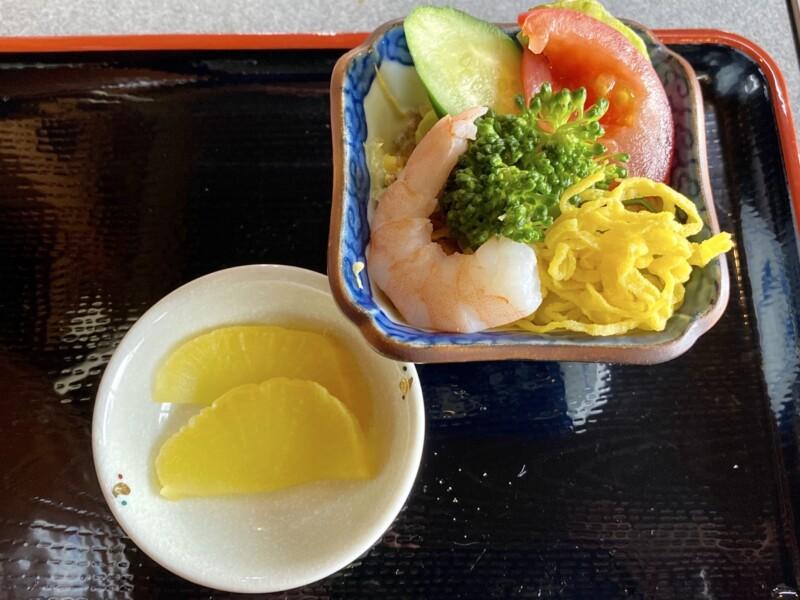 レストラン二条 秋田県能代市落合 醤油ラーメン 小ライス サラダ付き