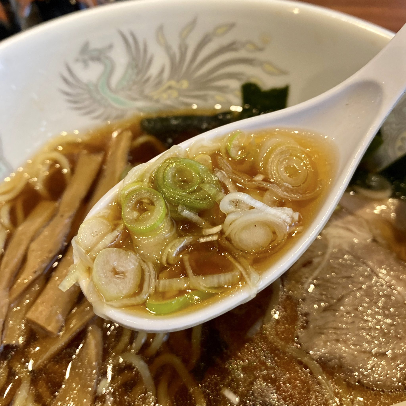 焼肉とラーメン 大昌園 バイパス店 秋田県能代市 ラーメンランチ 醤油ラーメン スープ ネギ