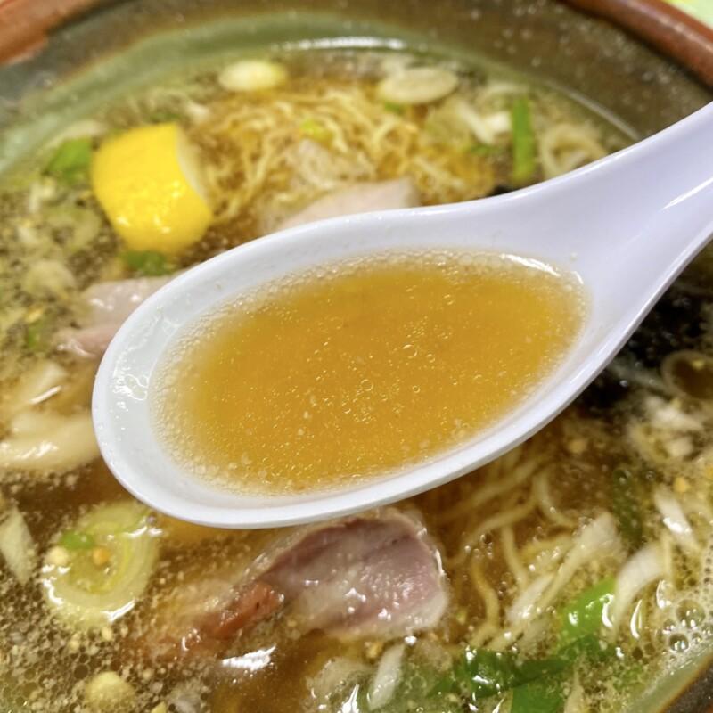 十八番 秋田県能代市追分町 醤油 並 醤油ラーメン スープ