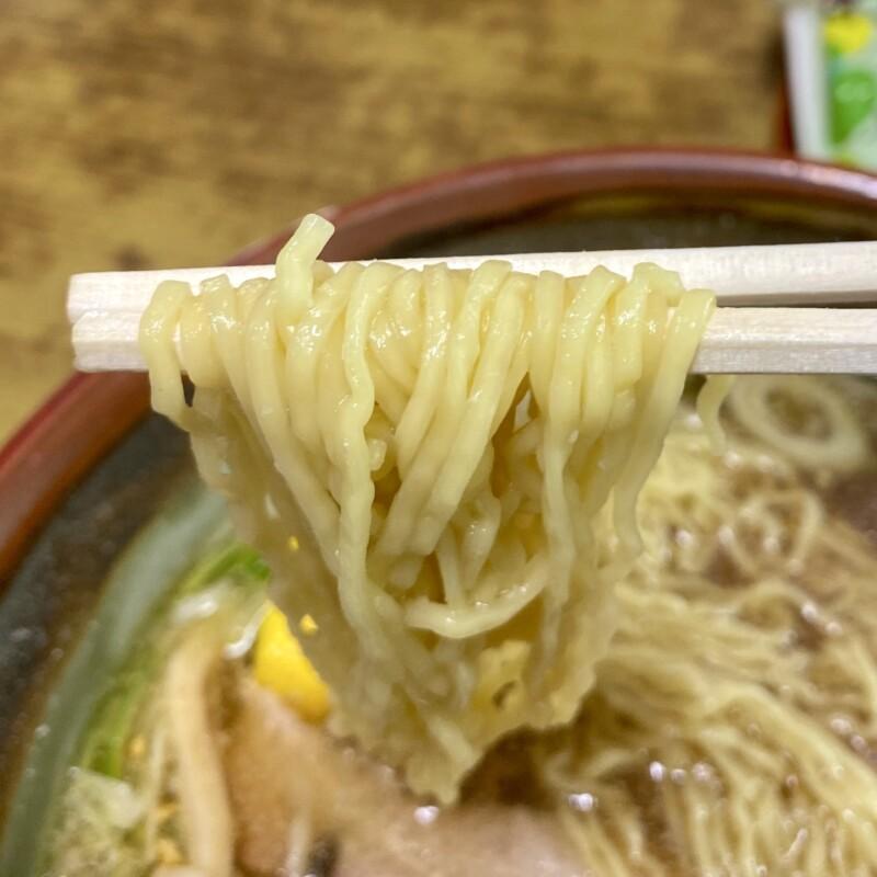 十八番 秋田県能代市追分町 醤油 並 醤油ラーメン 鍋谷製麺