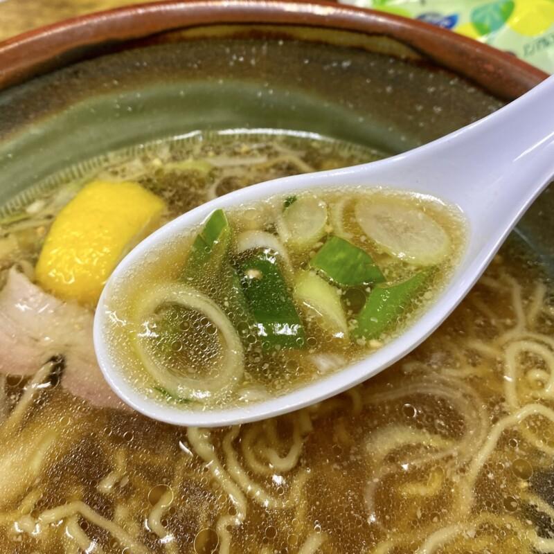 十八番 秋田県能代市追分町 醤油 並 醤油ラーメン スープ ネギ