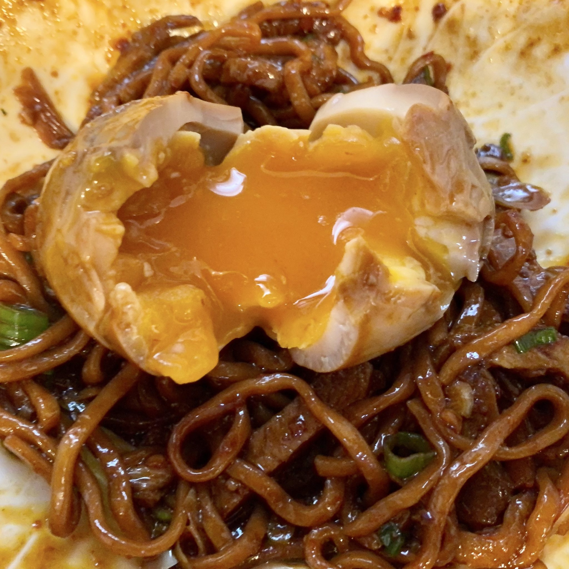 中華そばde小松 秋田県大仙市大曲丸の内 海老辛炒麺 混ぜる 味玉