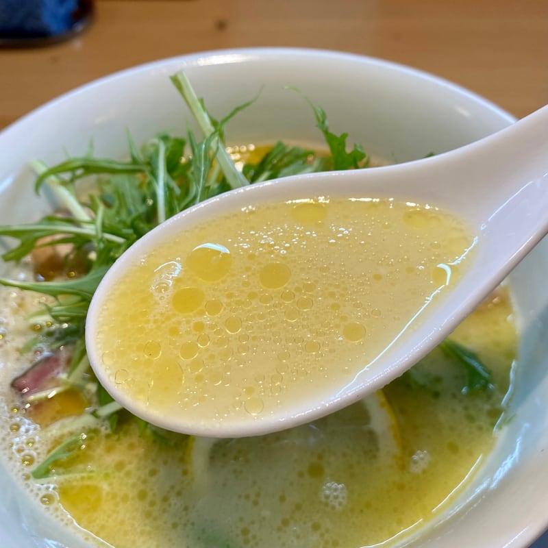 Ramen RyuGuJo ラーメン 龍宮城 秋田県秋田市手形 塩鶏白湯 スープ