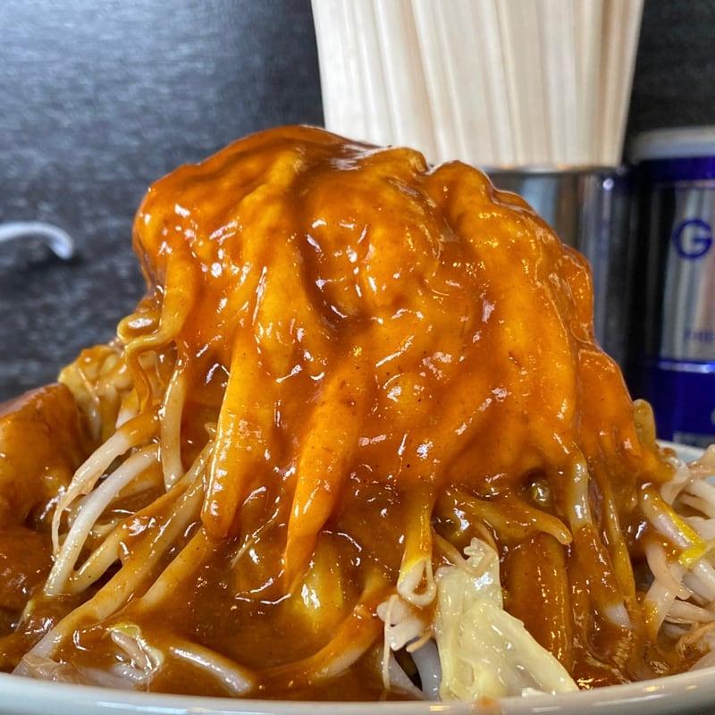 ラーメン マシンガン 秋田県秋田市広面 カレーそば 辛そば味 チェダーチーズ 具