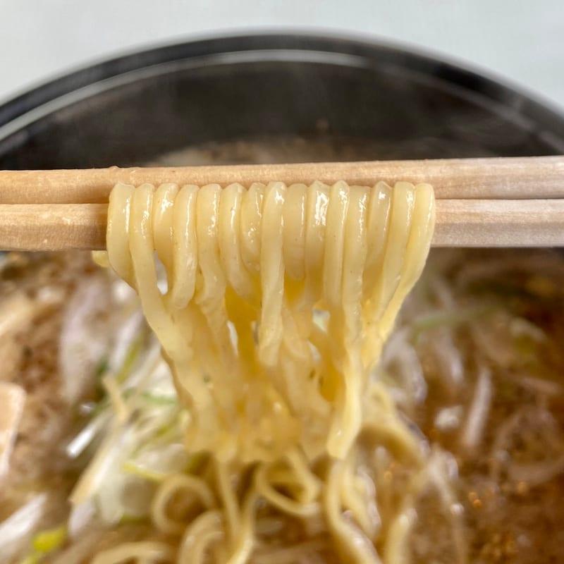 鐵鍋らーめん 梅正屋 秋田県大館市中山 梅ちゃん 正油梅味ラーメン 麺