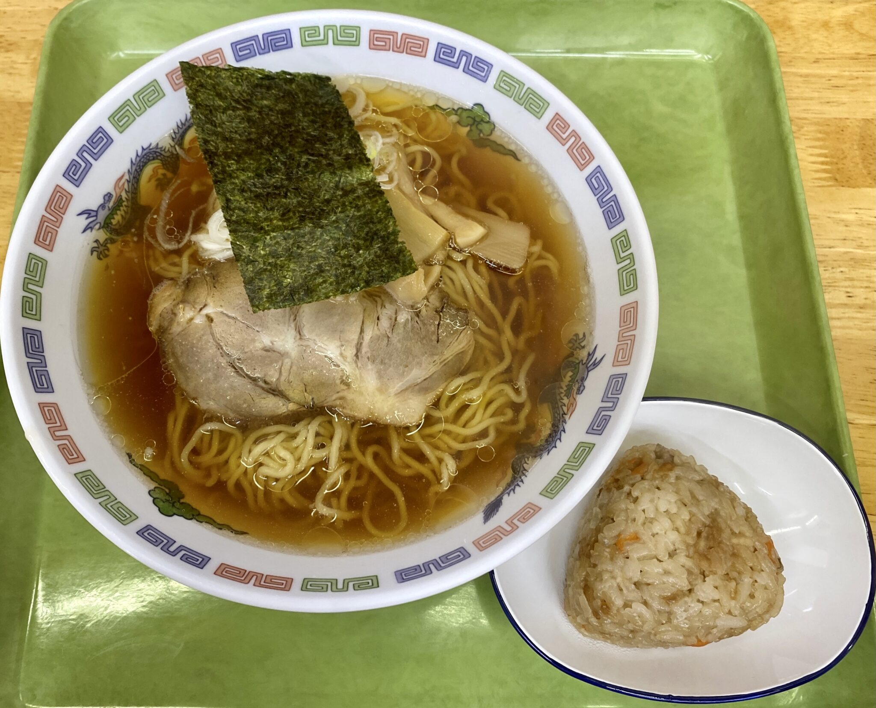とっと館 軽食コーナー 秋田県大館市比内町扇田 道の駅ひない内 ラーメン 比内地鶏の炊き込みご飯おにぎり