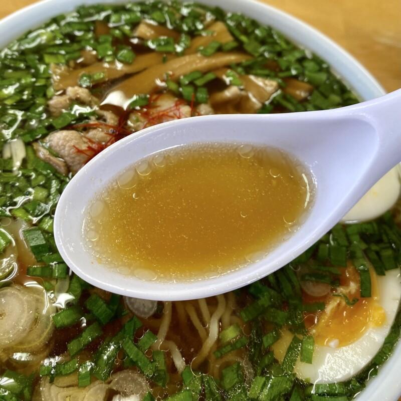 お食事処 くいしんぼう 男鹿ジャン 秋田県男鹿市戸賀塩浜 にらそば 醤油味 ラーメン スープ