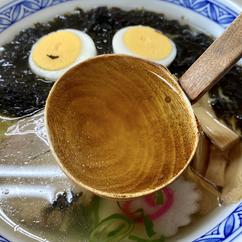 寒風山食堂 白山 秋田県男鹿市脇本富永 男鹿の岩のりラーメン 岩海苔ラーメン スープ
