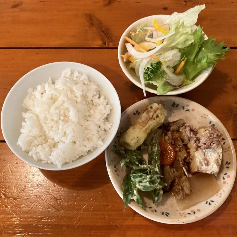 遊食空間 ぶんぶん 秋田県横手市十文字町 サイドテーブル バイキングコーナー 食べ放題