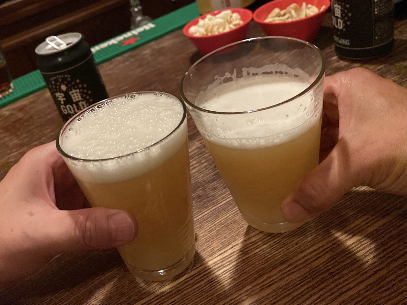BAR JAH ジャー 秋田県秋田市大町 ビール 乾杯