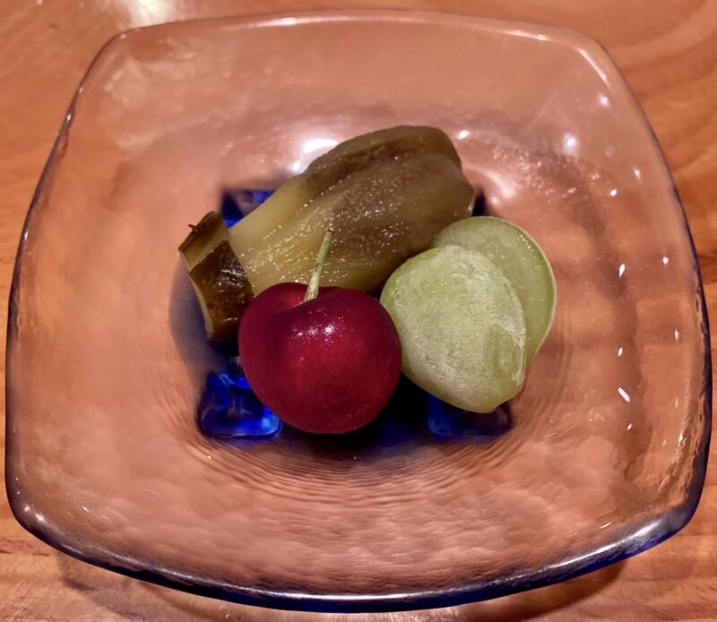日本料理たかむら 秋田県秋田市大町 1万3千円のコース 子茄子の旨煮とアメリカチェリー シャインマスカット